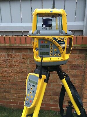 Trimble/Spectra GL722 Dual Slope Grade Laser Plus Remote Controller & Charger.