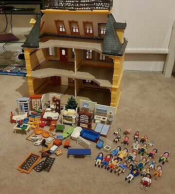 Playmobil 5301 Victorian Mansion with furniture and figures