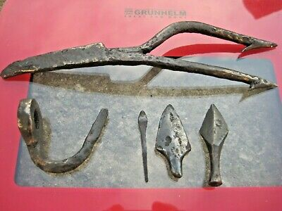 ANCIENT Authentic Viking Iron Fishing Harpoon Arrowheads