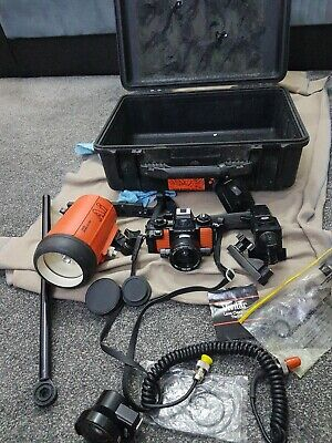 Nikon Nikonos-v diving camera with lens and accessories