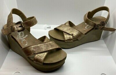 OTBT Women's Bee Cave Gold Size 8.5