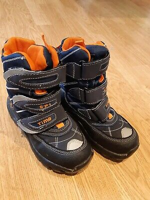 Kids snow boots size 12