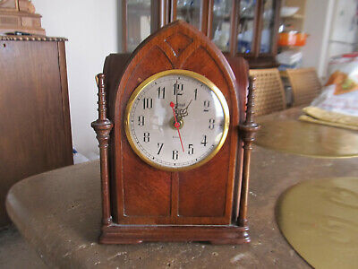 Ingraham Cathedral Ssc-2 Mantle Clock Parts, Nice Case, Quartz Movement Running