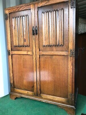 Large Vintage Wardrobe, arts and crafts style, good condition. Art Decodetailing