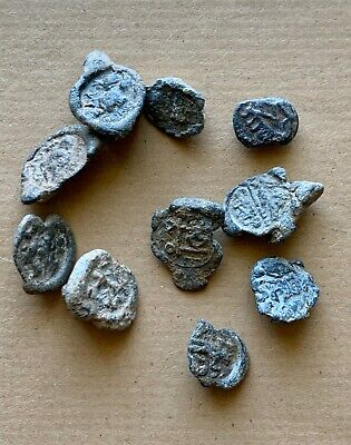 Lot of 10 late roman lead seals; several types to be studied. A nice collection!