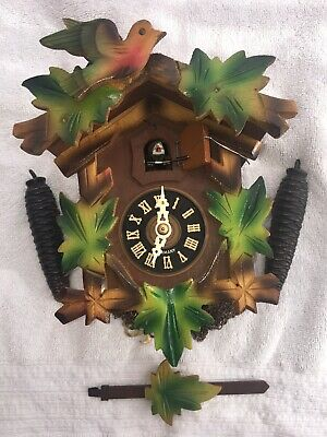 Beautiful Little Cuckoo Clock (Full Working Order)