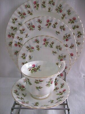Royal Albert WINSOME 5 Piece PLACE SETTING - Little Pink Roses Montrose Shape