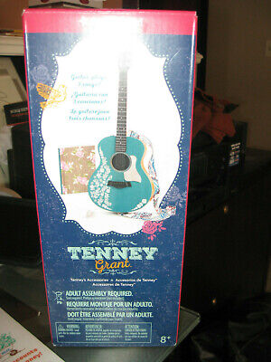 Pick /& Notebook Strap American Girl Tenney Grant  Meet Accessories Guitar NEW