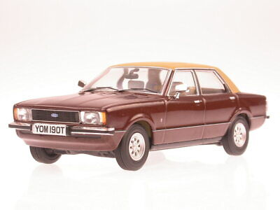 Ford Cortina MK4 Ghia = Ford Taunus MK2  Ghia diecast model car Vanguards 1/43
