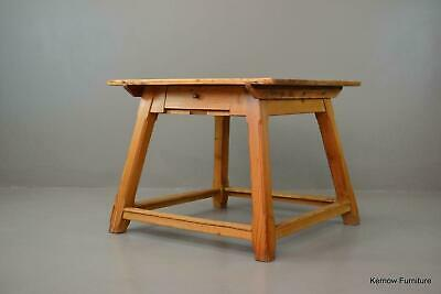 Early 20th Century Arts & Crafts Rustic Pine Square Dining Table