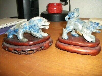 Lapis temple dog carving