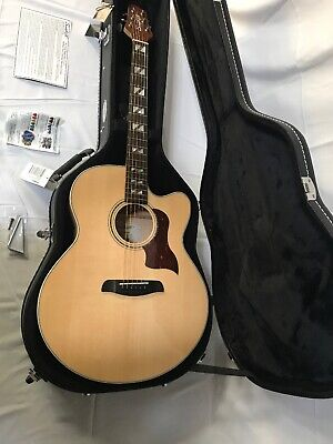 Sawtooth Solid Spruce Top Jumbo Cutaway 6 String Acoustic Electric Guitar w Case