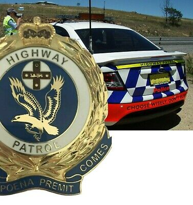 NEW SOUTH WALES HIGHWAY PATROL metal badge  Gold colour. Plaque , display item