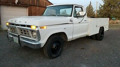 1977 Ford F350 service truck with 460ci (7.5L) V8 and automatic