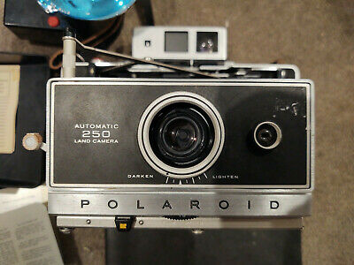 Polaroid Automatic 250 Land Camera with original manual, accessories & bag