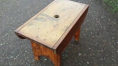 Vintage Pine Wood Cracket Stool.      Small wooden seat or table