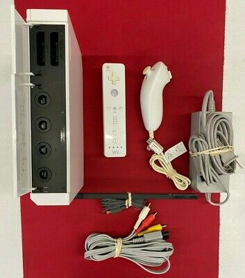 Nintendo Wii White Console GameCube Compatible Bundle Controllers Memory Card