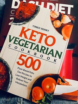 The Essential Vegetarian Keto Cookbook: 65 Low-Carb, High-Fat, Plant-Based Recip