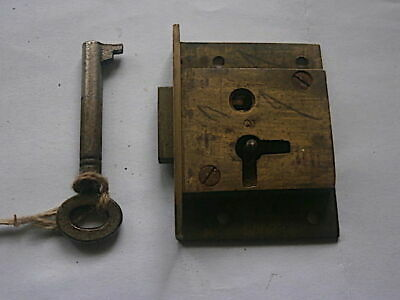 LONGCASE GRANDFATHER CLOCK  LOCK AND kEY   C1790