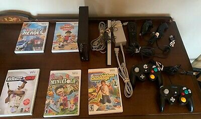 Nintendo Wii Black Console RVL-001 Game Cube Compatible -5 Controllers & 5 Games