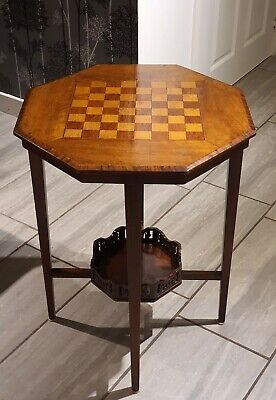 Beautiful Early 20th Century Walnut Games Chess Table
