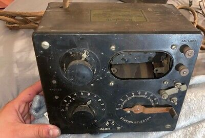 Vintage RCA Radiola Model III Battery type Radio Receiver Wood Bakelite
