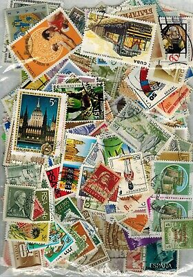 WORLD STAMPS 30g OFF PAPER MIXTURE NO GB VINTAGE TO MODERN UNSORTED GOOD MIX