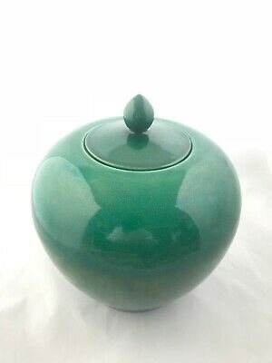 Antique Chinese Apple Green Porcelain Ginger Jar - Pointed Finial