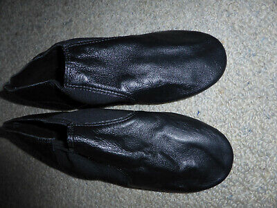 Ladies jazz shoes approx size 8