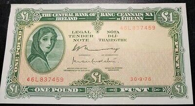 Ireland 1 (One) Pound Note Vintage Uncirculated 1976 Series