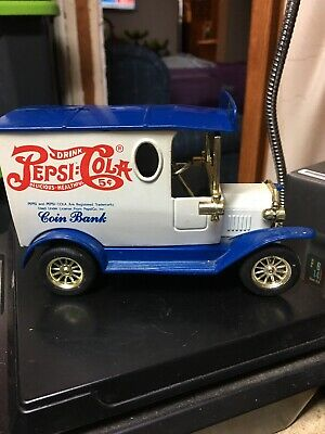 Pepsi Cola Tryck Die Cast Model Coin Bank With Key Collector