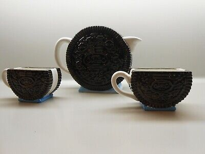 Nabisco Classic Collection - Large Oreo Pitcher with Two Oreo Mugs -