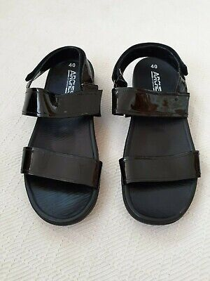 "ARCHES ""Posh"" black patent leather upper double strap sandals. Size 40"