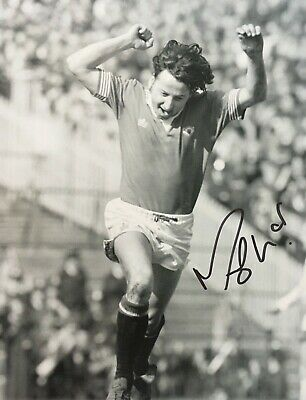 Micky Thomas - Former Manchester United Footballer - Excellent Signed Photograph