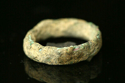 CELTIC BRINZE RING MONEY 5TH CENT BC.. Size: US 9
