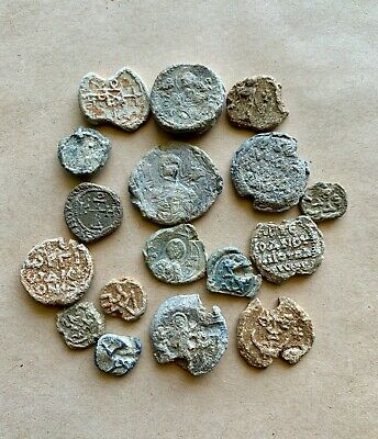 Lot of 17 byzantine lead seals; several types to be studied.Very nice collection