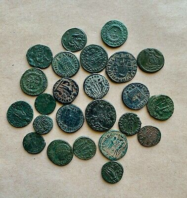 Lot of 24 late roman bronze follis and minima. A very nice collection!