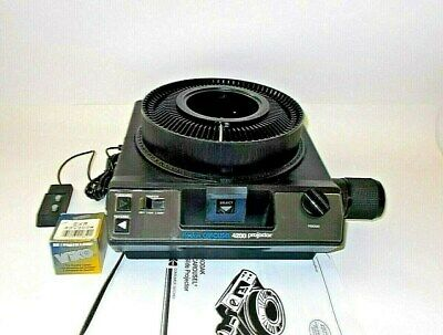 Kodak 4200 Carousel Slide Projector with Lens, Tray, Remote-EXCELLENT CONDITION