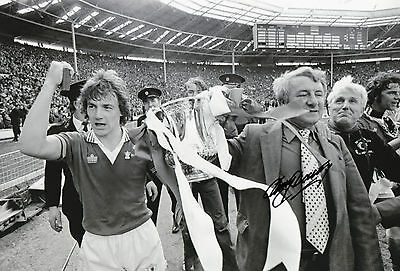 TOMMY DOCHERTY Signed 12x8 Photo 1977 FA Cup MANCHESTER UTD COA