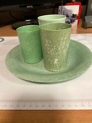 UNUSUAL RARE Mottled GREEN BAKELITE 3 Different Cups And Plate Good Display