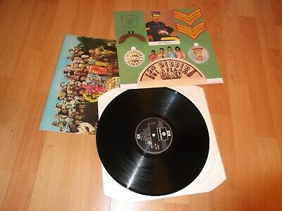 The Beatles-Sgt. Peppers Lonely Hearts Club Band vinyl in good condition