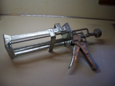 AE CO Dual Cartridge Caulking Gun for Cartridges Dual Mix