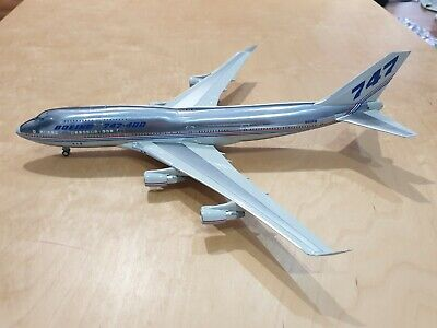 "Inflight200 1/200 747-400 Polished ""30 years of Boeing"" N401PW"