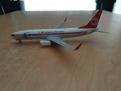 JC Wings Malaysian Airline System 40 years of hospitality 737-8H6 9M-MXA 1/200