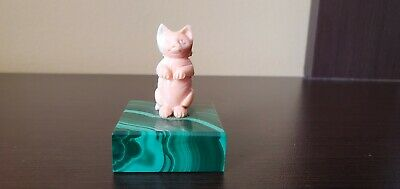 Vintage Chinese Carved Angel Skin Coral Seated Cat Green Malachite Base Figurine