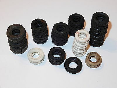 BRITAINS LEAD SPARE PARTS BIG LOT OF TYRES FOR VARIOUS TRUCKS CARS 1940s ENGLAND