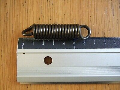 STEEL EXPANSION EXTENSION  SPRING  66mm x 14mm x 2.8mm    IT 400N