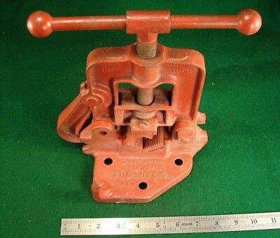 """Nice Vtg. Reed No. 0 Bench Mount Yoke Pipe Vise Grips 1/8 to 2"""" Bends 1/8 to 3/4"""
