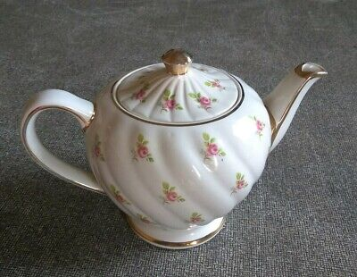 Vintage Sadler England Swirled Teapot White with Pink Roses Gold Trim No. 1593 D