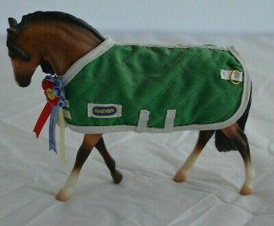 Vintage 1990s Breyer horse~with green stable blanket~Champion ribbon~Pony~toy